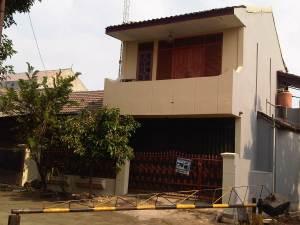 Rumah siap untuk Toko, 2 lantai